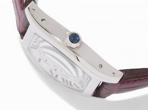 Sapphire cabochon detail