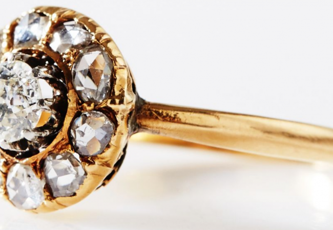 Vintage engagement rings for the unconventional bride