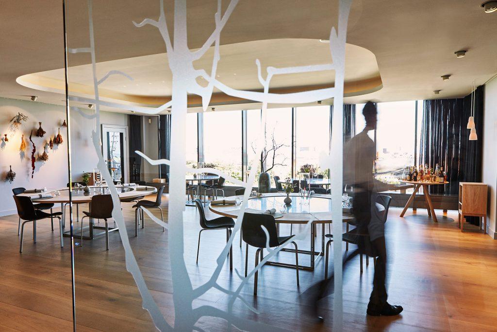 geranium-28-inspiration-kitchen-and-dining-area