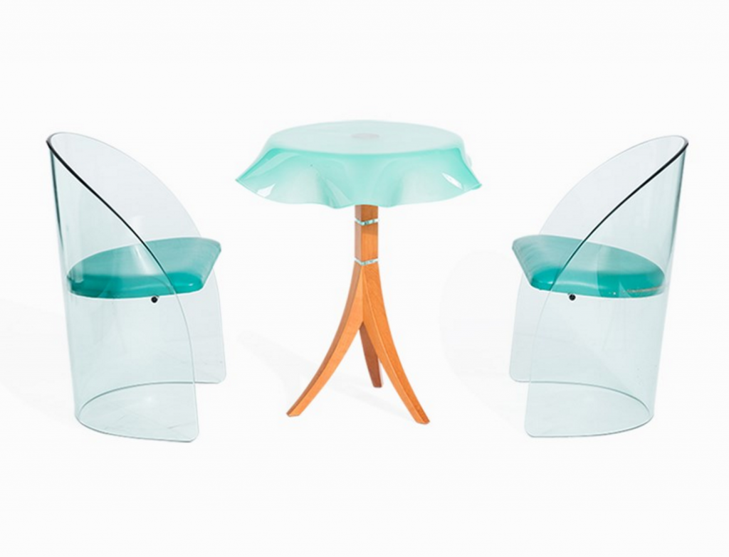 Two-Piece Seat Group with Side Table, Murano, circa 1990. Estimated value € 2,000 Auctionata