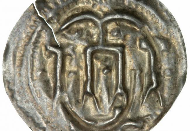 Harald Bluetooth, Hedeby, two-sided bracteate, c. 975 - 985. Price est.: € 540 Bruun Rasmussen