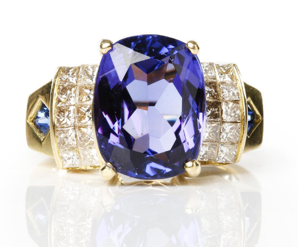 Ring set with Tanzanite, 7.51 carats. Price estimate: approximately € 4,000. Skånes Auktionsverk