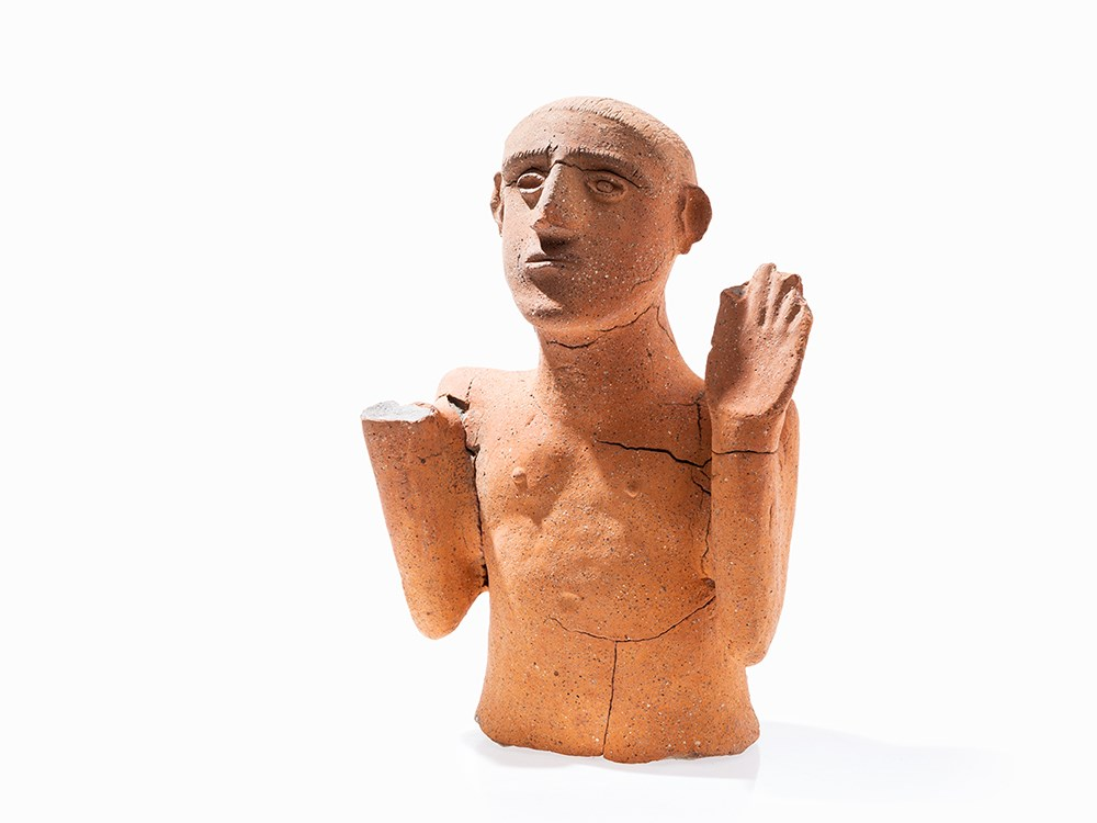 Figural Urn Cover in the Form of a Man, Etruscan, 7th C. BC. Price est.: € 5,000 Auctionata