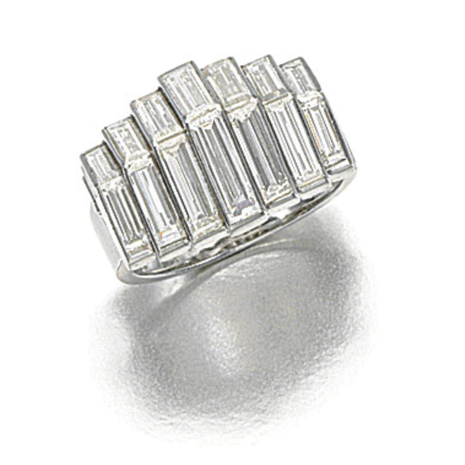 Art Deco diamond ring, Cartier, 1930s. Sold for € 74,522 at Sotheby's in Hong Kong.