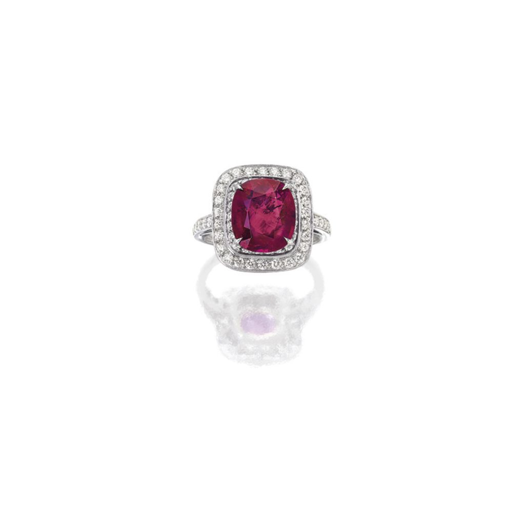 Ruby and Diamond Ring, Tiffany & Co. Sold for € 105,827 at Sotheby's Hong Kong