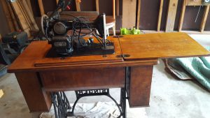 antique-singer-sewing-machine